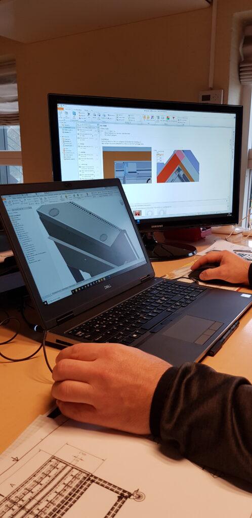 20201112_engineer at work